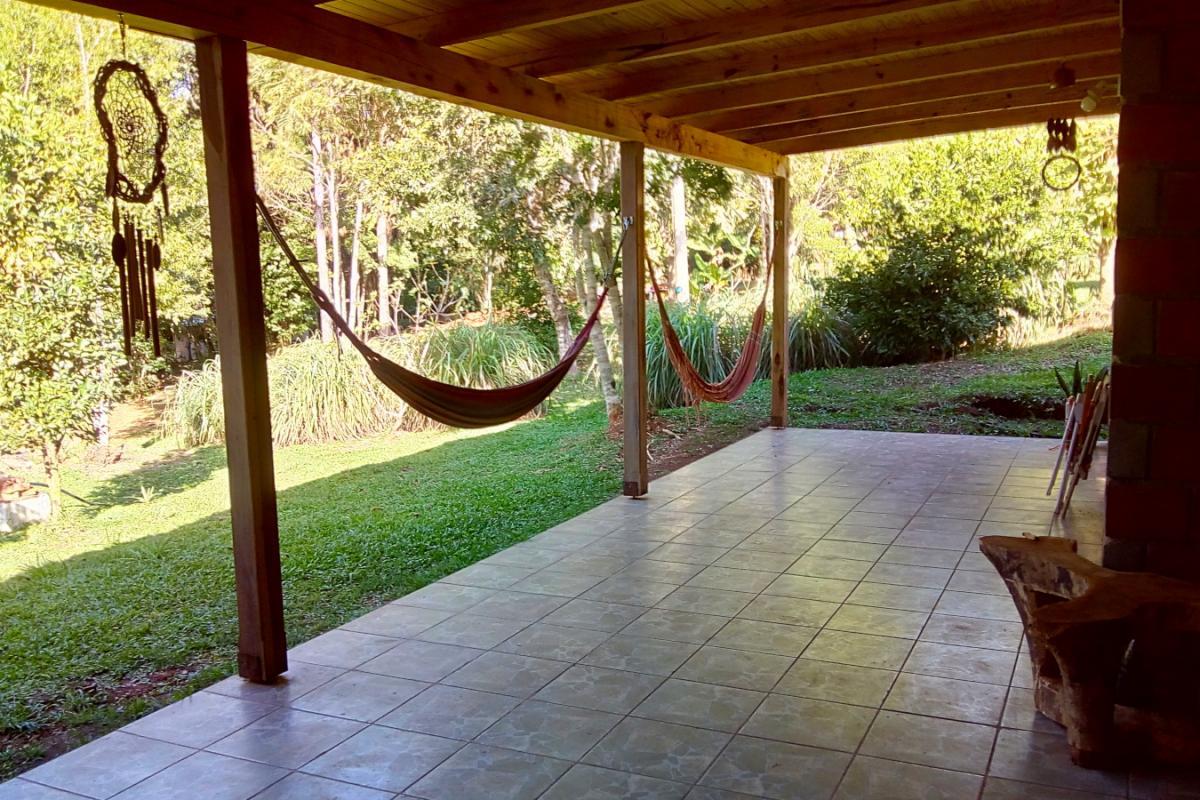 Galería y parque en Hostel Buena Vista, El Soberbio, Misiones